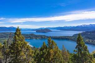 バリローチェのナウエル・ウアピ湖の写真素材 [FYI02667924]