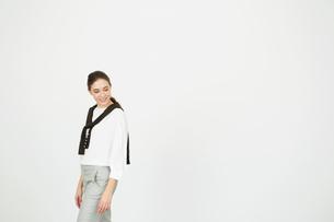 笑顔の20代外人モデルのポートレートの写真素材 [FYI02669435]