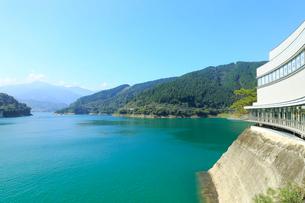 宮ヶ瀬湖の写真素材 [FYI02670423]