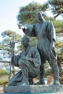 玉川兄弟の銅像の写真素材 [FYI02670478]