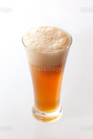 ビールカクテル フルーツジュース割りの写真素材 [FYI02670578]