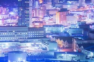 大正レトロ調の町並み夜景の写真素材 [FYI02670749]