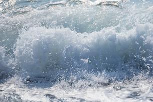 波しぶきの写真素材 [FYI02670903]
