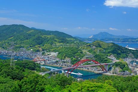 音戸の瀬戸にて音戸大橋と第二音戸大橋の写真素材 [FYI02670921]