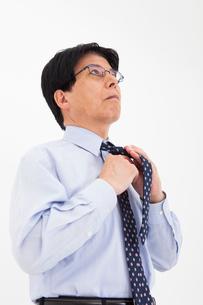 ワイシャツ姿の男性の写真素材 [FYI02671813]