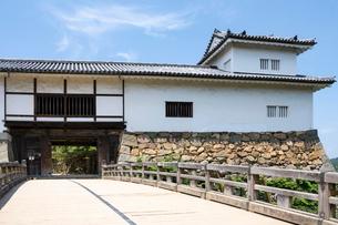 彦根城天秤櫓と廊下橋の写真素材 [FYI02671863]