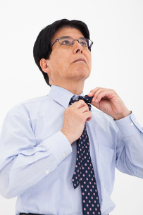 ワイシャツ姿の男性の写真素材 [FYI02671872]