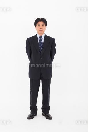 スーツを着た男性の写真素材 [FYI02671895]
