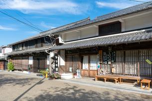 中山道醒井宿の町並み(醤油店) の写真素材 [FYI02671940]