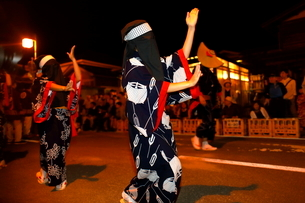 8月 秋田の西馬音内盆踊りの写真素材 [FYI02672069]