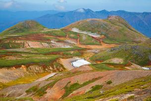 北海道 大雪山 北海岳付近より黒岳 桂月岳を望むの写真素材 [FYI02672233]
