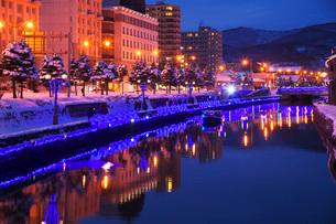 青の運河(小樽ゆき物語)の写真素材 [FYI02672280]