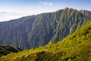 中央アルプス 空木岳と南駒ケ岳の写真素材 [FYI02672336]