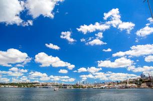 金角湾と新市街の写真素材 [FYI02672370]
