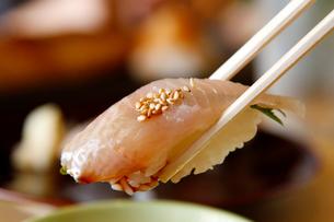 ホッケの握り寿司の写真素材 [FYI02672438]