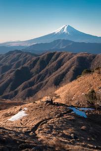 白谷丸山頂より望む富士山の写真素材 [FYI02672637]