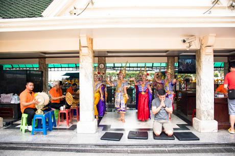 ターオ・マハー・プラマ の奉納踊りの写真素材 [FYI02672646]
