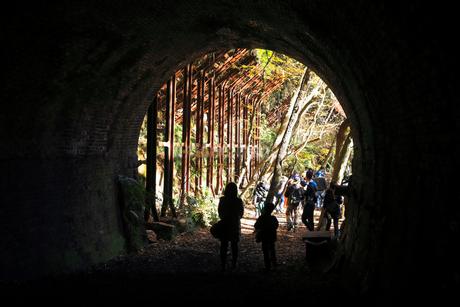 12月 紅葉の愛岐トンネル群 近代化産業遺産の写真素材 [FYI02672790]