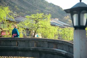 城崎温泉街の町並の写真素材 [FYI02672809]