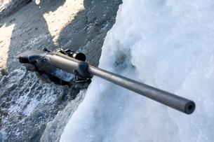 アザラシ猟の銃の写真素材 [FYI02672880]