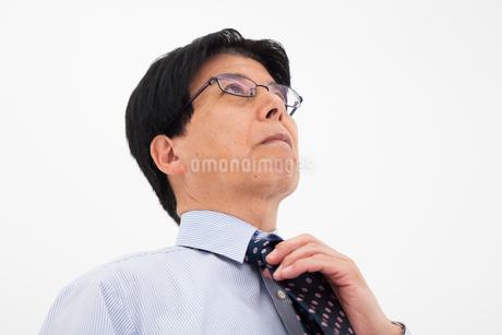 ワイシャツ姿の男性の写真素材 [FYI02672904]