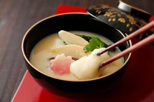 京風お雑煮の写真素材 [FYI02673038]