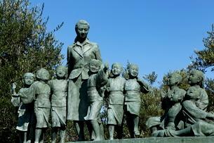 11月 小豆島の平和の群像 二十四の瞳像の写真素材 [FYI02673421]