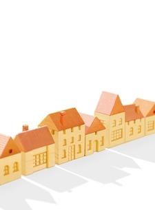 木の家の街 のイラスト素材 [FYI02673753]