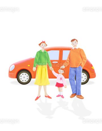 家族3人と車の写真素材 [FYI02673864]