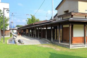 横町かぐじ広場の回遊通路の写真素材 [FYI02673889]
