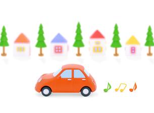 赤い粘土の車と家並みの写真素材 [FYI02674041]