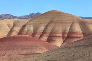 ジョン・デイ化石層国定公園のペインテッド・ヒルズの写真素材 [FYI02674225]