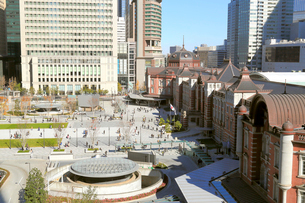 東京駅丸の内駅前広場の写真素材 [FYI02674391]