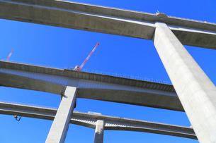 建設中の新名神高速道路の写真素材 [FYI02674449]
