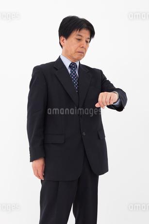 スーツを着た男性の写真素材 [FYI02674621]