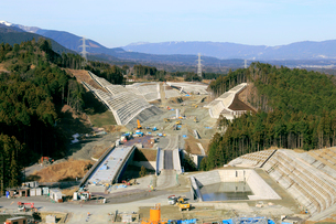 高速道路建設現場の写真素材 [FYI02674743]