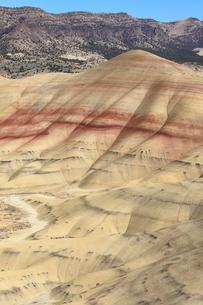 ジョン・デイ化石層国定公園のペインテッド・ヒルズの写真素材 [FYI02674989]
