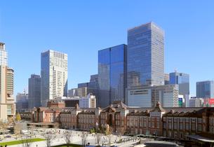 東京駅丸の内駅前広場の写真素材 [FYI02675011]