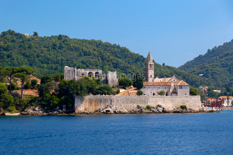 ロプト島、カトリック教会と修道院の写真素材 [FYI02675227]