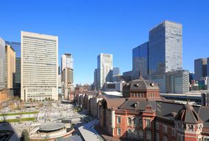 東京駅丸の内駅前広場の写真素材 [FYI02675314]