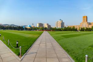 人民広場(旧スターリン広場)の写真素材 [FYI02675375]