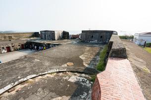 旗後砲台上階の南(海)側の写真素材 [FYI02675431]