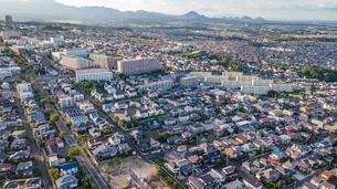 仙台市青葉区中山から仙台市北西部を空撮の写真素材 [FYI02675519]
