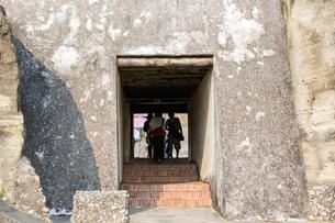 旗後砲台 内部への洞門の写真素材 [FYI02675520]