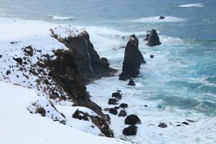 雪景色の屏風岩の写真素材 [FYI02676005]