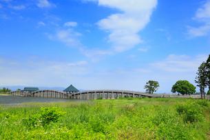 津軽富士見湖 鶴の舞橋の写真素材 [FYI02676016]