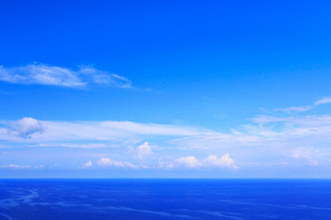 青空と海の写真素材 [FYI02676058]