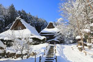 雪景色の飛騨の里の写真素材 [FYI02676071]