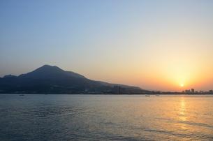 台湾淡水の夕日の写真素材 [FYI02676203]