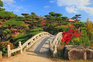 毛利氏庭園の紅葉の写真素材 [FYI02676349]